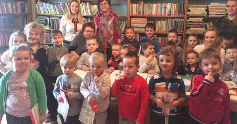 Detičky z Materskej školy navštívili obecnú knižnicu