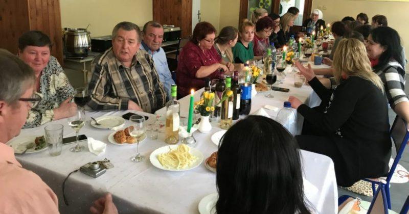 Deň učiteľov oslávili učitelia v Povine za jedným stolom