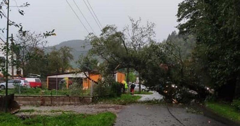 Časť Kysuckého Nového Mesta ochromila búrka